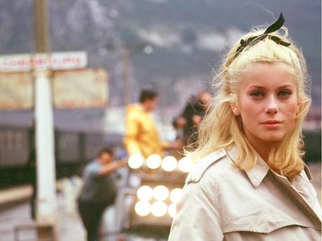 映画「 シェルブールの雨傘」カトリーヌ ドヌーヴ ラストシーンは有名すぎます