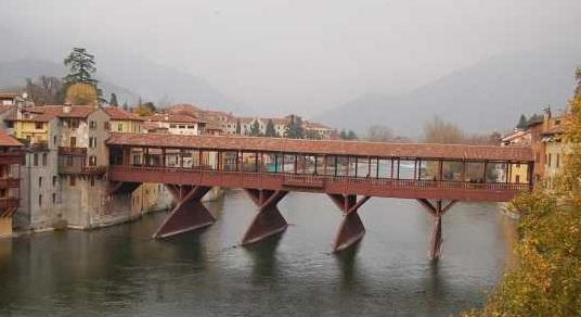 バッサーノ・デル・グラッパ こんな橋を渡りたい
