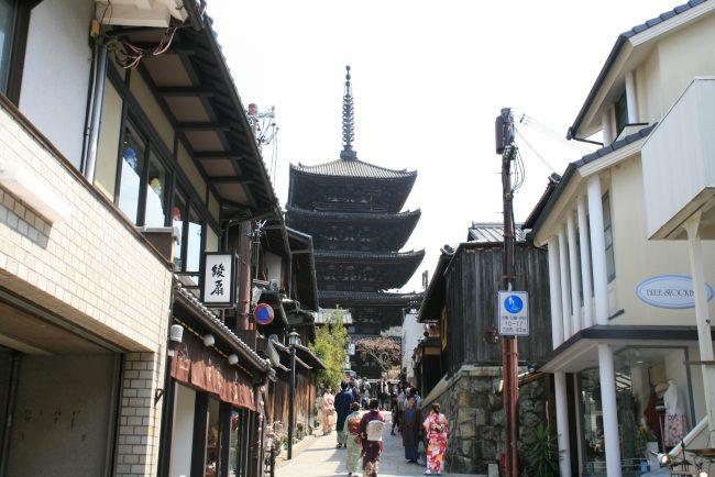 京都八坂の塔周辺から清水寺を歩いてきました